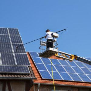 Solaranlagen -Reinigung - Clean24 Gebäudereinigung Stuttgart