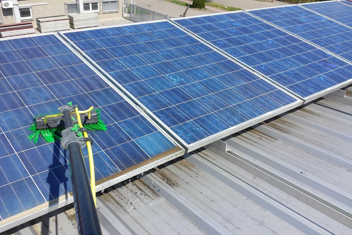 Reinigung Photovoltaik-Anlage